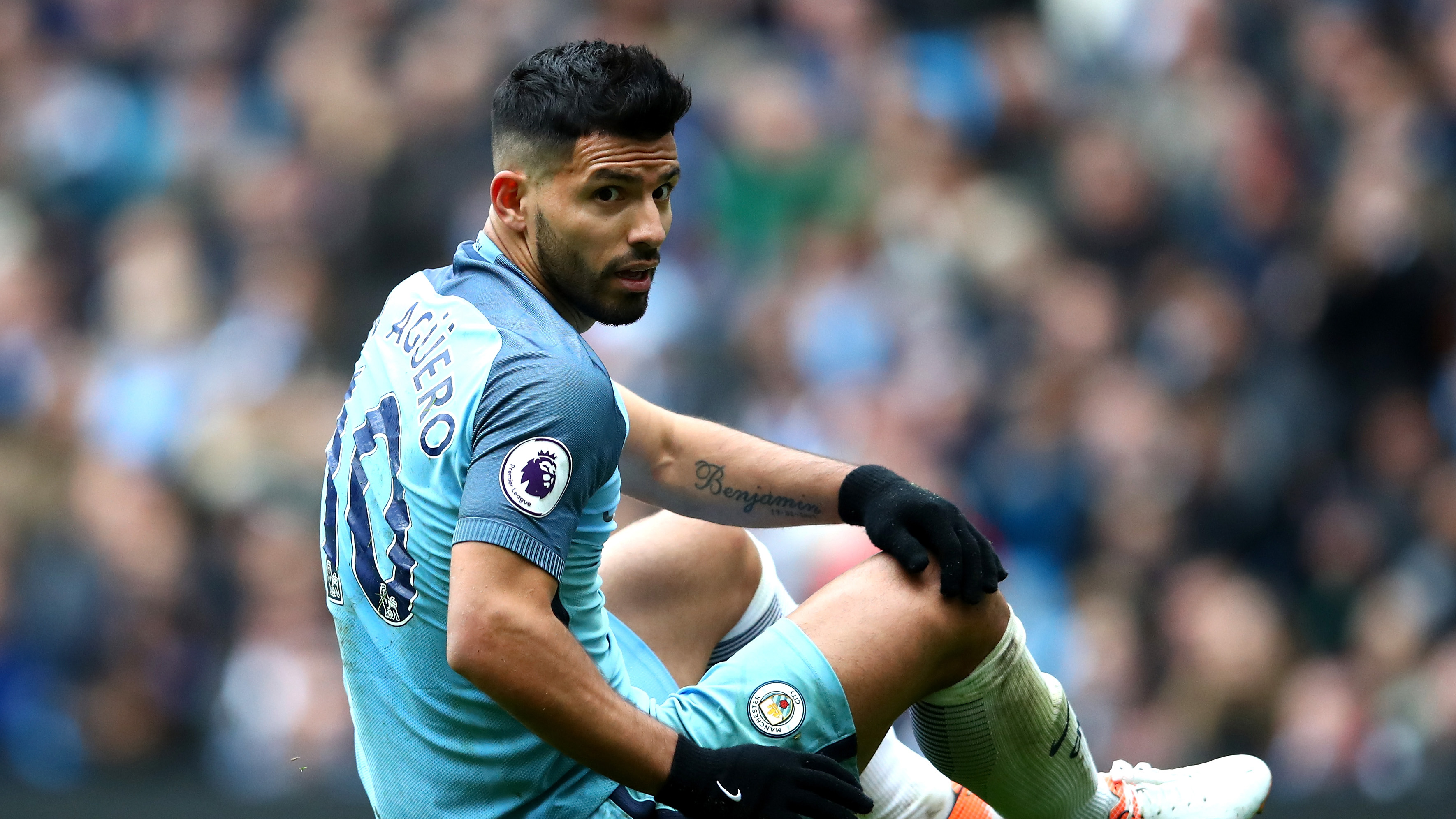 Argentina doctor says Sergio Aguero can t leave his house out